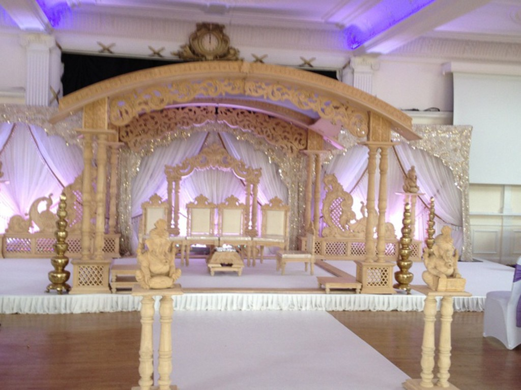Mander Shaped Mandap 019